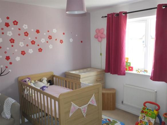 Bedroom 3!.JPG