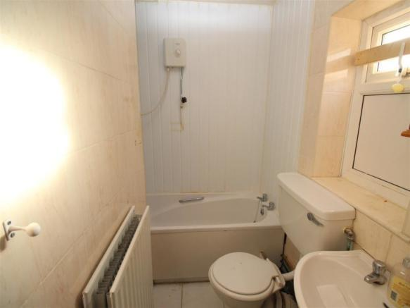GF Flat Bathroom