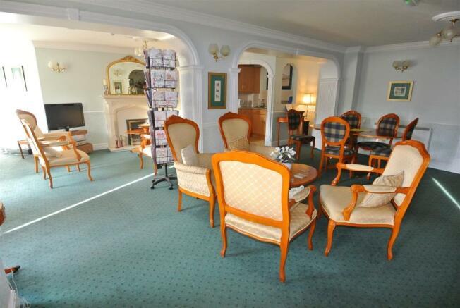 Owners Lounge.jpg