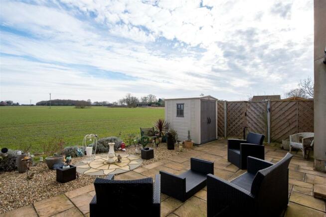 Bungalow rear garden & view