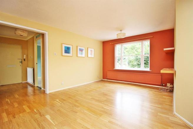 LivingDining Room 4.JPG