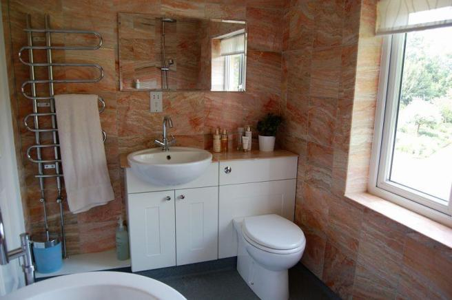EN-SUITE/WETROOM