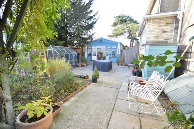Patio/kitchen garden
