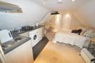 Kitchen/lounge/bed