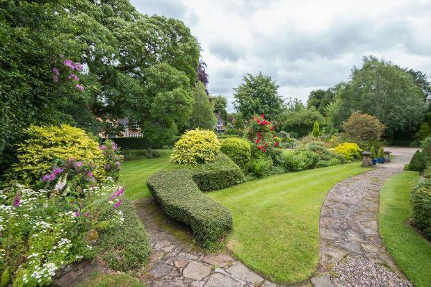 Front Garden Aspect