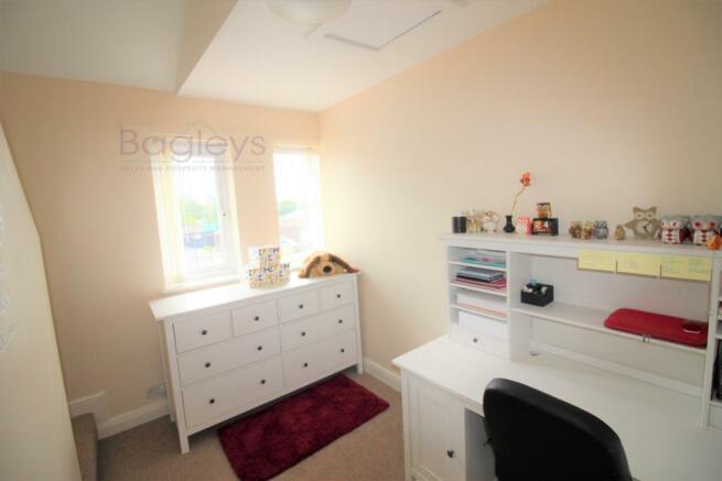 Lower Level Bedroom e