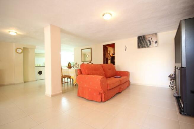 Villa for sale in El Paraiso