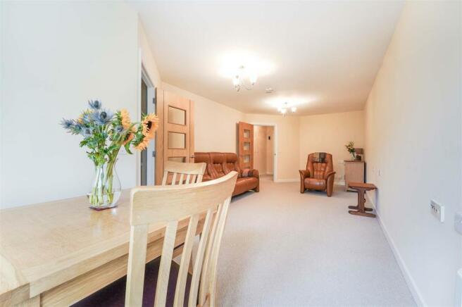 Living Room 6LC(b).jpg