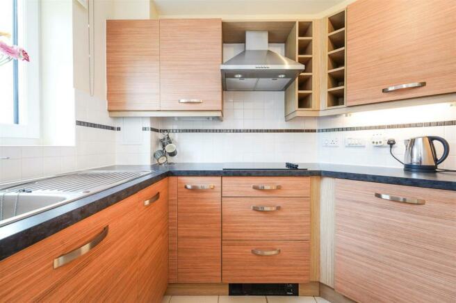 Kitchen 6LC(b).jpg