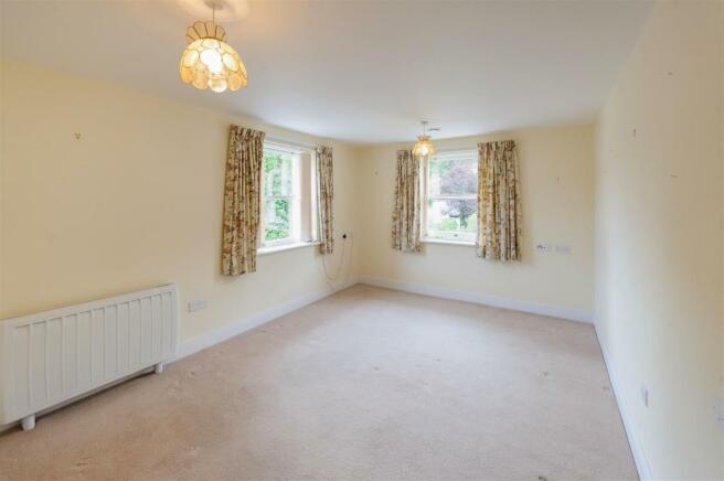 Living Room (dual aspect).jpg