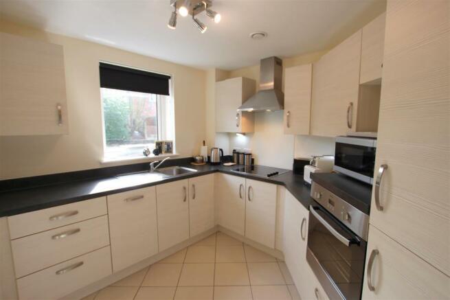 Kitchen 12 Broadfield Court.jpg