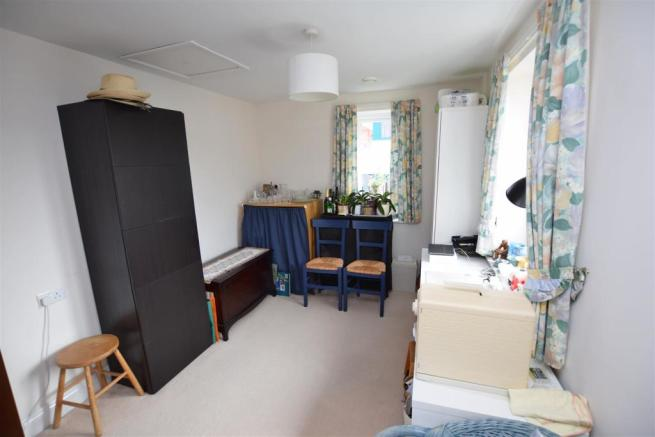 2nd bedroom study.JPG