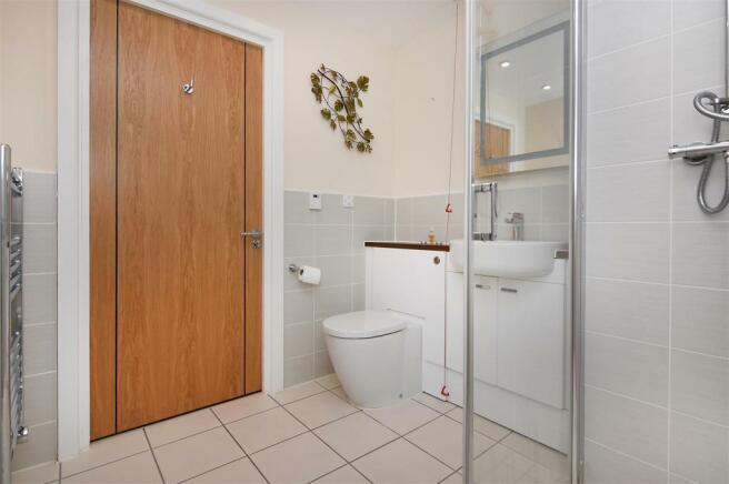 Shower Room..JPG