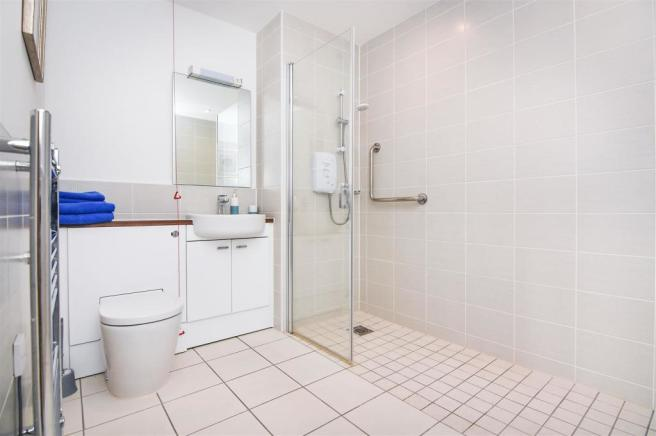 Guest Suite - Shower Room.jpg