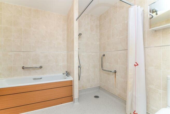 Wet Room (2).jpg