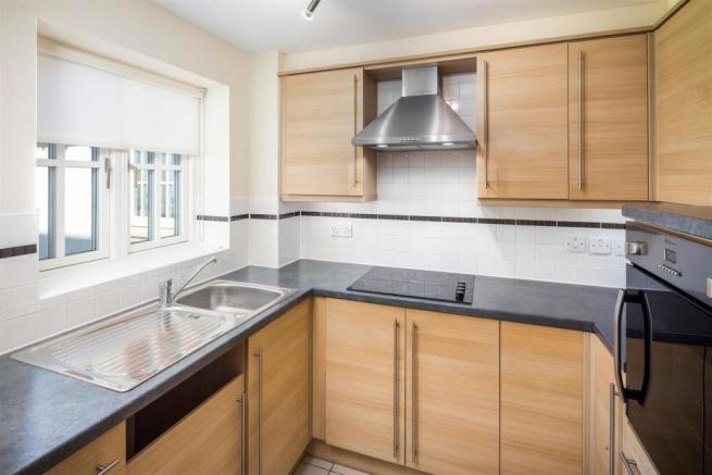 1 bedroom apartment for sale in Cornmantle Court ...