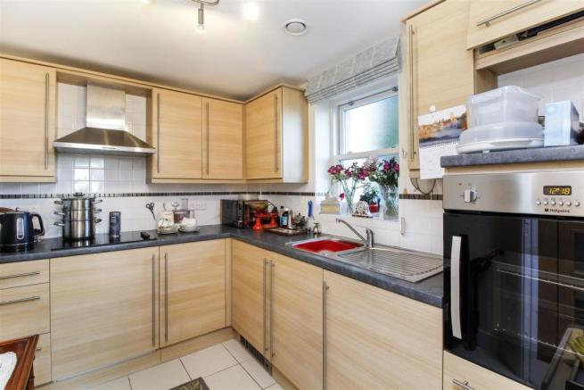 Kitchen...jpg