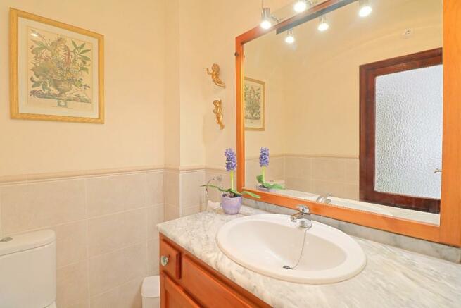 Bathroom 2 - 2