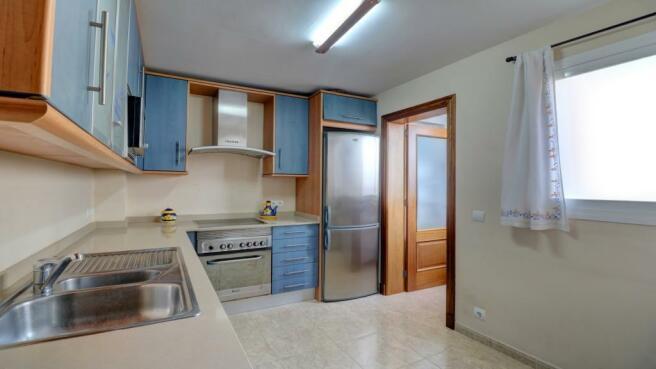 Kitchen 1 - 2