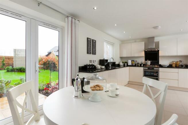 Typical Taylor Wimpey Lavenham kitchen/diner