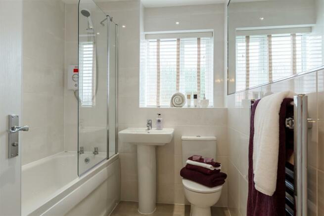 Typical Taylor Wimpey Lavenham bathroom