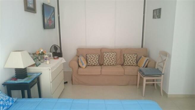 8_Bedroom_Main_1.jpg