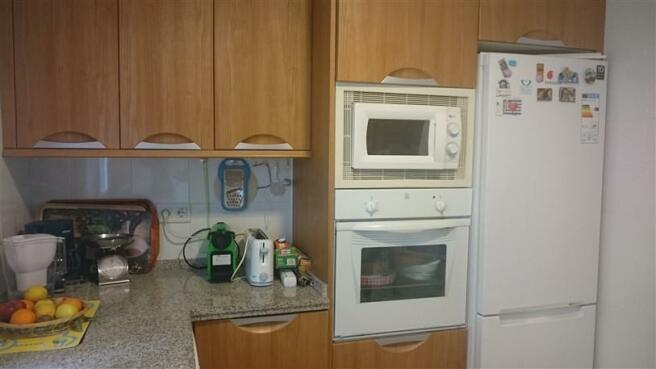 15_Kitchen_2.jpg