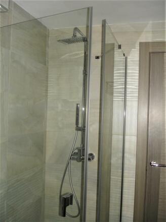 Downstairs Bath b.JP