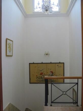 F) up foyer.JPG