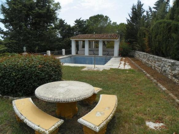 garden area and pool
