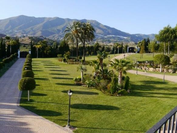 Finca Alhambra 3.jpg