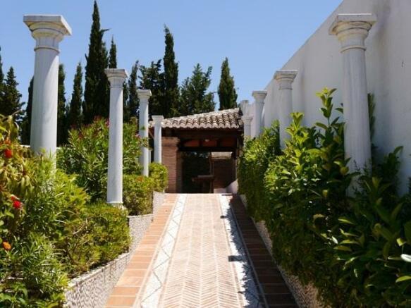 Finca Alhambra 7.jpg