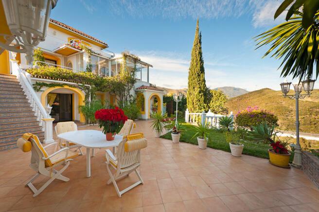 villa and garden