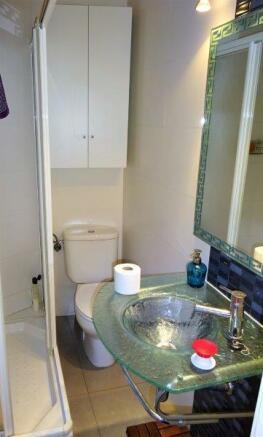 Baño segundo 1.jpg