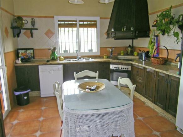 F465225 - Kitchen