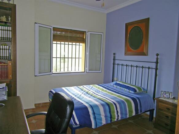 F465225 - Bedroom 2