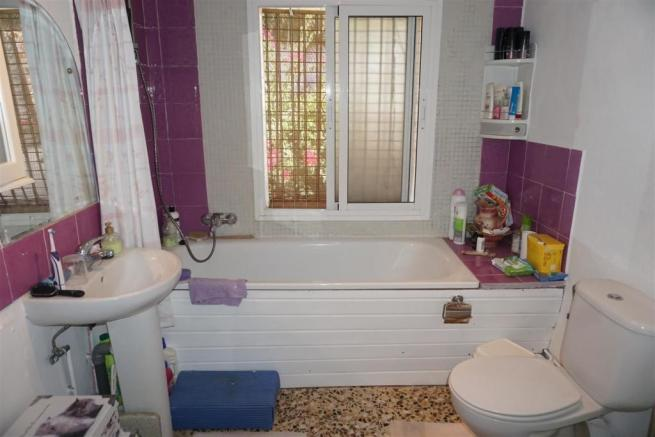 TH65973 - Bathroom 1