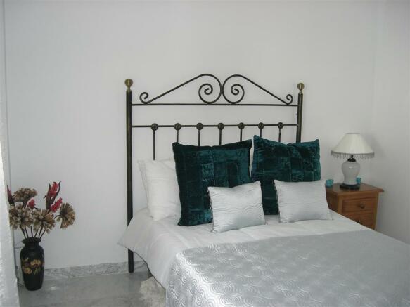 V114410 - Bedroom 2