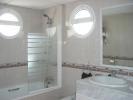 V114410 - Bathroom 2