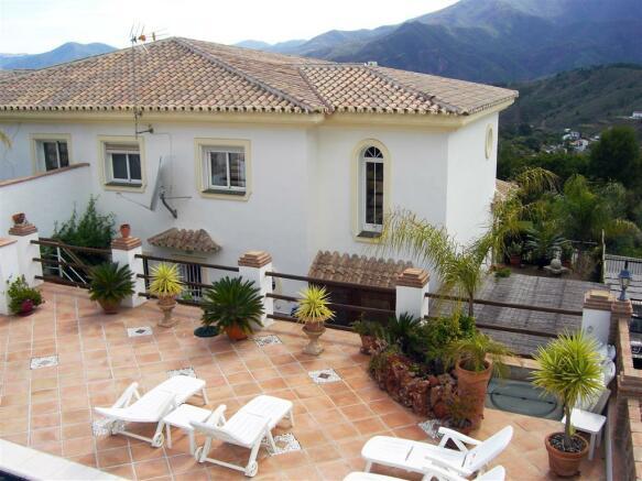 V114410 - Terrace 1