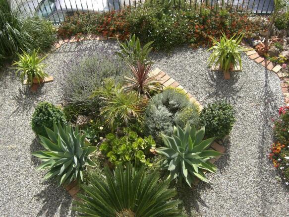 V114410 - Garden