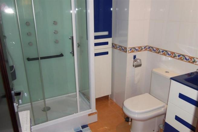 A2208242 - Bathroom