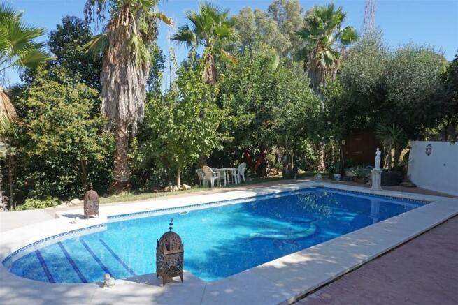 F416653 - Pool