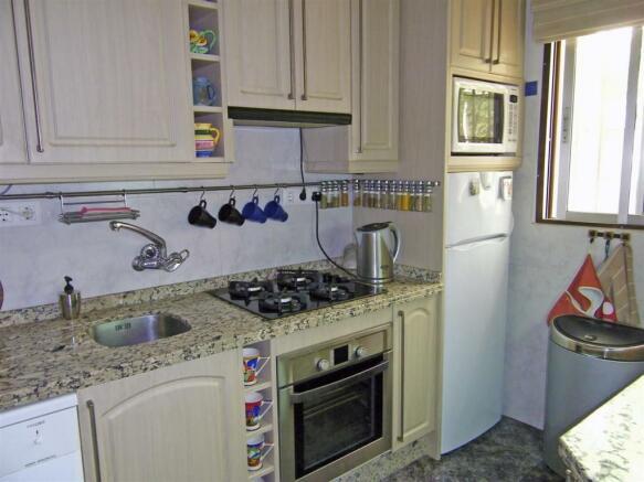 F134064 - Kitchen 1