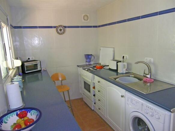 F134064 - Kitchen 2