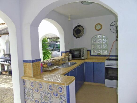 F134064 - Kitchen 3
