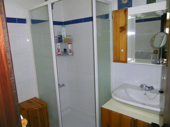F134064 - Bathroom 3