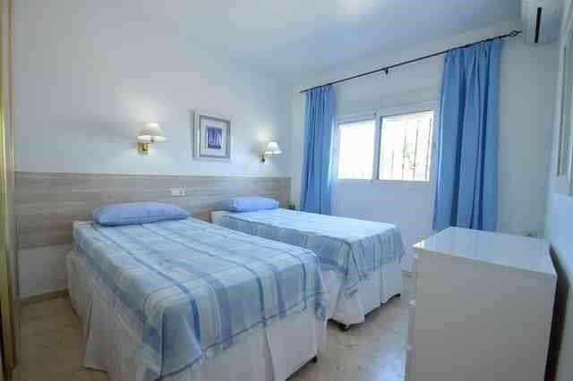 V211385 - Bedroom 2