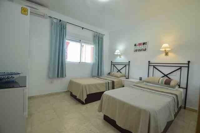 V211385 - Bedroom 3
