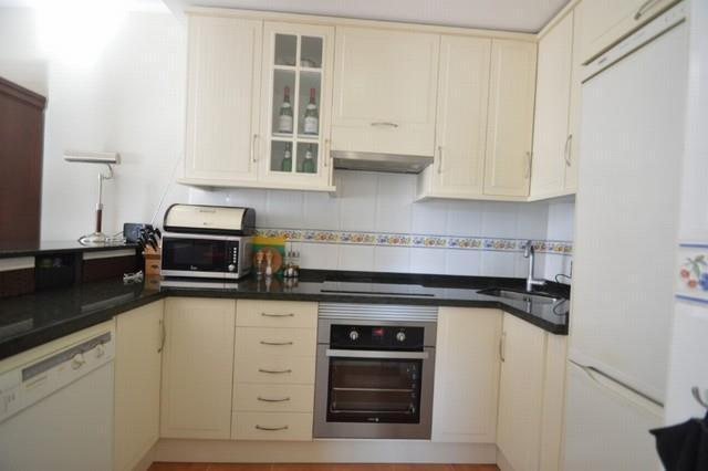 A2425607 - Kitchen